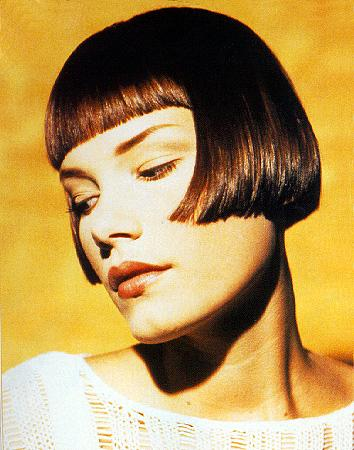 You can opt for bobs, cropped hairstyles, page boy haircuts, or a wind-swept